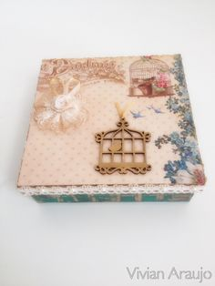Caixa vintage com scrap decor