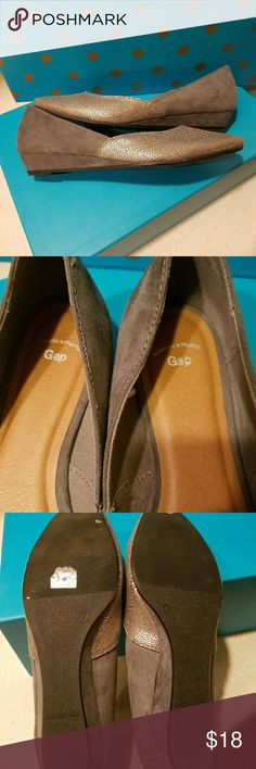 Gap Gray & Silver Size 7 Low Wedge Flats Gorgeous Flats with a low wedge that will provide you style and comfort throughout the day! Size 7 - never worn and in great condition! Check out my other listings! #casual  #stylish #fallfashion GAP Shoes Flats & Loafers