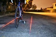 pour Stéphane - La piste cyclable portative : un laser qui crée un couloir lumineux autour de votre vélo