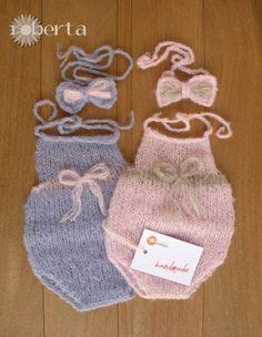 Handmade Newborn photo props romper wool baby girl di RobertaKnits