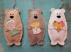 Sweets Bears 2019 Made from Ellen Hutson Bear Hugs die. The post Sweets Bears 2019 appeared first on Wool Diy. Felt Diy, Felt Crafts, Fabric Crafts, Crafts To Make, Sewing Crafts, Sewing Projects, Crafts For Kids, Craft Projects, Felt Decorations