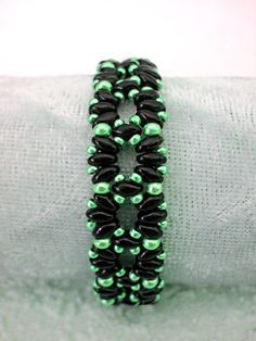 Free pattern for bracelet London`s Garden with twin seed beads - 1