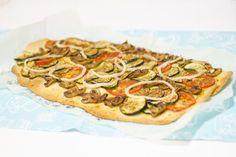 Coca de verduras con tomillo y pimentón para #Mycook http://www.mycook.es/receta/coca-de-verduras-con-tomillo-y-pimenton/