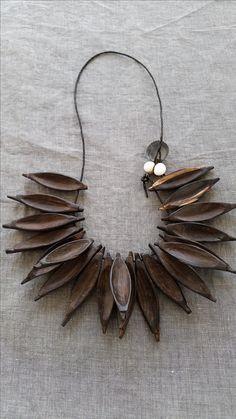 filz halskette felt necklace eine meiner eigenen kreationen filzstrang in schwarz zwei. Black Bedroom Furniture Sets. Home Design Ideas