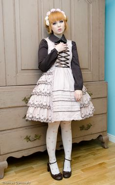A classic lolita outfit coord from the beginning of January, as I met up with my dear friends Miss N. (oeei) and Miss S. (blurryreality).