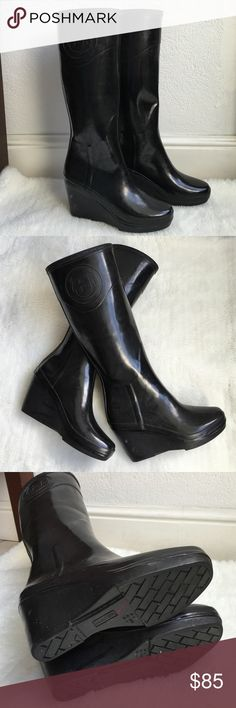 """Hunter Black Wedge Boots size 5 Preowned Authentic Hunter Black Wedge Boots size 5. Wedge is 2"""" high. Signs of normal regular wear. Please look at pictures for better reference. Happy shopping!! Hunter Boots Shoes Winter & Rain Boots"""
