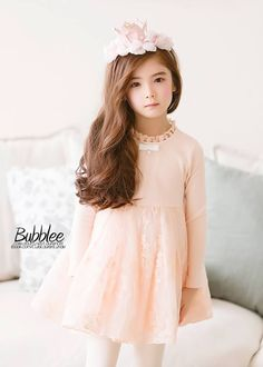 Lauren Lunde Precious Children, Beautiful Children, Baby Dior, Cute Poses, Winter Dresses, Cute Kids, Asian Beauty, Kids Fashion, Girl Outfits