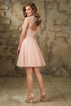 Petite robe rose poudre bustier cœur dos découpé en dentelle