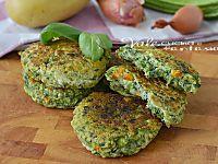 Polpette di zucchine e mozzarella, una ricetta facile e gustosa,una valida alternativa alla carne, una ricetta con le zucchine velocissima.