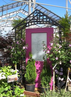 Never thought to put something like this *inside* the greenhouse Garden Items, Garden Shop, Garden Club, Garden Center Displays, Garden Centre, Nature Activities, Small Studio, Plant Sale, Old Doors