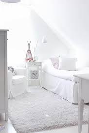 Znalezione obrazy dla zapytania biały pokój dla nastolatki