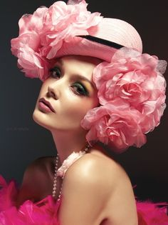 She's Pretty in Pink . Straw Hat with Large Pink Silk Roses . Love Hat, Everything Pink, Color Rosa, Mode Inspiration, Headdress, Her Hair, Pretty In Pink, Hot Pink, Girly