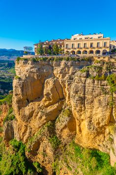 Ronda is a unique hilltop town in Andalusia, Spain built right on the edge of a cliff! Here are the best things to do in Ronda Spain. Places To Travel, Places To See, Travel Destinations, Travel Tips, Andalusia Spain, Andalucia, Andalusia Travel, Ronda Spain, Prague Travel