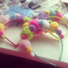 cupcakesloveme: Pom Pom headbands :p