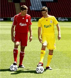 Gerrard and Alonso... what a midfield pairing! #LFC #legends