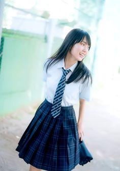 乃木坂46 賀喜遥香 Japanese High School Uniform, Japan School Uniform, School Uniform Fashion, School Girl Japan, School Uniform Girls, Japan Girl, School Uniforms, Schoolgirl Style, Cute Girl Dresses