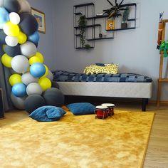 Satine oranssi/Asuntomessut Kouvola Carpet, Satin, Elastic Satin, Blankets, Rug, Silk Satin, Rugs