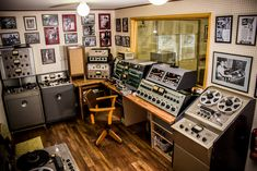 Sugar Ray's Control Room | Not really an Early Studio, still nice.