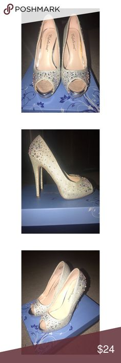 ✨Silver Rhinestone Heels✨ Selling this pair of silver, sparkly, heels with rhinestones. Only wore them once for prom. Replacement rhinestones included and in oringinal box. In perfect condition. Fabulicious Shoes Heels