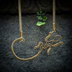 #handmade #brass #wire #artisan #jewelry #pendant #gecko #nepal #power-animal #lizard #mystic #magic #travel // by Anna Simkin