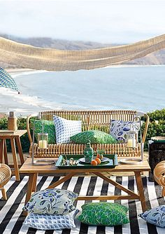 woven rattan loveseat http://rstyle.me/n/ivxp9r9te