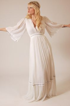 VINTAGE BOHO WEDDING DRESSES | Vintage 70s White Boho PRINCESS Wedding Dress. $65.00, via Etsy.