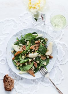Stilton and Pear Salad -Royaume-Uni, collection Épicerie du Monde Rocket Salad, Pear Salad, Work Meals, Soup And Salad, Food Styling, Gluten Free Recipes, Salad Recipes, Soups, Delish