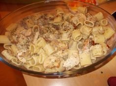 http://www.smulweb.nl/recepten/1117608/Pasta-penne-met-gerookte-kipfilet-pesto-en-gedroogde-tomaten