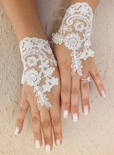 Frei Schiff Braut Handschuhe Hochzeit von ByMiracleBridal auf Etsy