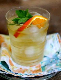 Dr. Oz's Tangerine Weight-Orade (source: droz.com)  In a large pitcher, combine: 8 cups of brewed green tea 1 tangerine, sliced A handful of mint leaves Stir this delicious concoction up at night so all the flavors fuse together. Drink 1 pitcher daily for maximum metabolism-boosting results.