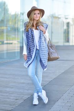 Gorgeous silk scarf adds flowy style to this casual outfit [ ColorVibeDesigns.com ] #ColorVibe