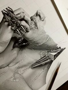 dessin réaliste Kohei Ohmori femme inachevée