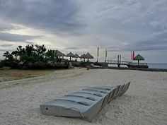 Philippines Beaches, Lots Of People, Sit Back, Beach Resorts, Outdoor Furniture, Outdoor Decor, Southeast Asia, Sun Lounger, Tours