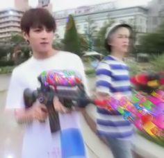 35 ideas memes heart kpop bts for 2019 Taehyung, Namjoon, Wattpad, Kpop Love, Bts Emoji, Jimin, Heart Meme, Bts Meme Faces, Cute Love Memes
