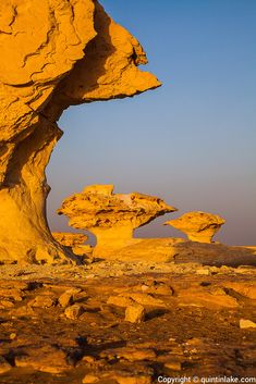 """Aish el-Ghorab """"The Mushrooms"""", chalk sculptures, Sahara Beida (White Desert), Egypt. Lake Photography, Landscape Photography, Beautiful World, Beautiful Places, Deserts Of The World, Landscaping With Rocks, Natural Phenomena, Places Around The World, Natural Wonders"""