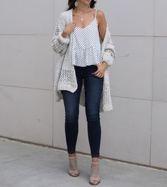 fashion blogger Anna Monteiro of blushing rose style fashion blog wearing perfect fall cardigans and KUT from the Kloth skinny jeans from Nordstrom