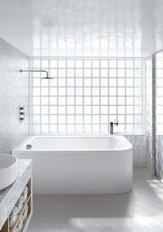 Compact bath with overhead shower and glass brick wall Brick Bathroom, Bathroom Windows, Glass Bathroom, Laundry In Bathroom, Bathroom Interior, Small Bathroom, Shower Over Bath, Diy Shower, Glass Blocks Wall