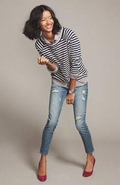 Casual fall style: Striped sweater, destroyed denim, & colorful pumps
