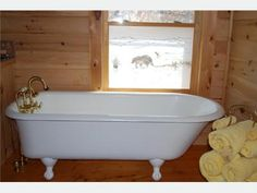 Claw foot tub. I grew up with a bath tub like this! I have always wanted one again!