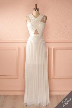 Longue robe découpes dentelle blanche - Long white cut-outs lacy dress