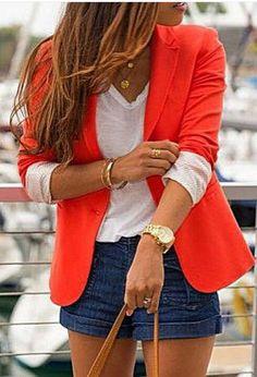Blazer vermelho + shorts