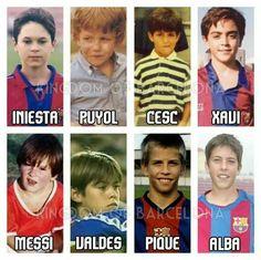 Algunos jugadores y ex jugadores del Barcelona niños.