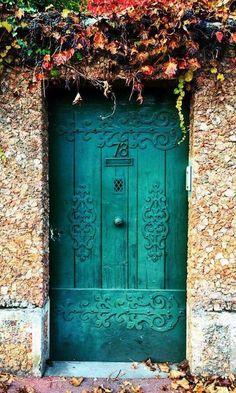 Cool Doors, Unique Doors, When One Door Closes, Vintage Doors, Vintage Art, Door Knockers, Door Knobs, Entry Doors, Front Doors