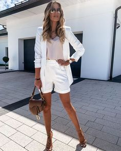 Paws T Shirt, Haute Couture Dresses, Instagram Outfits, White Heels, Casual Street Style, White Skirts, Short Outfits, Daily Fashion, Women's Fashion
