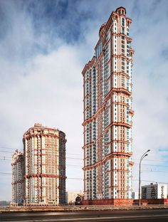 The Scarlet Sails apartment complex with a 48-story tower, Moscow, Russia via the towering glory and infinite weirdness of post soviet✨From Deco to Atom✨ : Foto