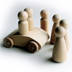 2-Seater Peg Car (Unfinished) for 9cm Man Pegs WITH 6 x 9cm (3 Male, 3 Female) Peg Dolls