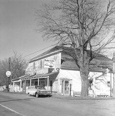 Pedee store in Pedee, Polk County, Oregon, 1967 :: Ben Maxwell Collection