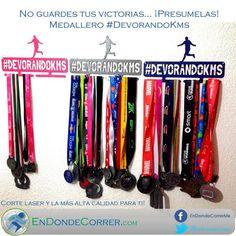 Correr es vida on pinterest running marathons and runners for Ideas para colgar medallas