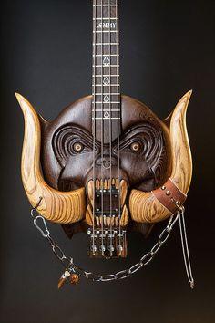Cynosure Guitars http://www.cynosureguitars.com/