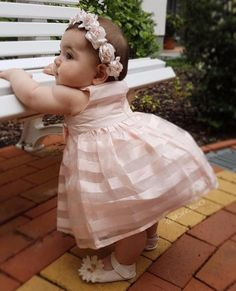 Trendy baby clothes adorable little girls ideas Cool Baby, Cute Little Baby, Baby Kind, Cute Babies, Cute Kids Pics, Cute Baby Girl Pictures, Beautiful Children, Beautiful Babies, Beautiful Life